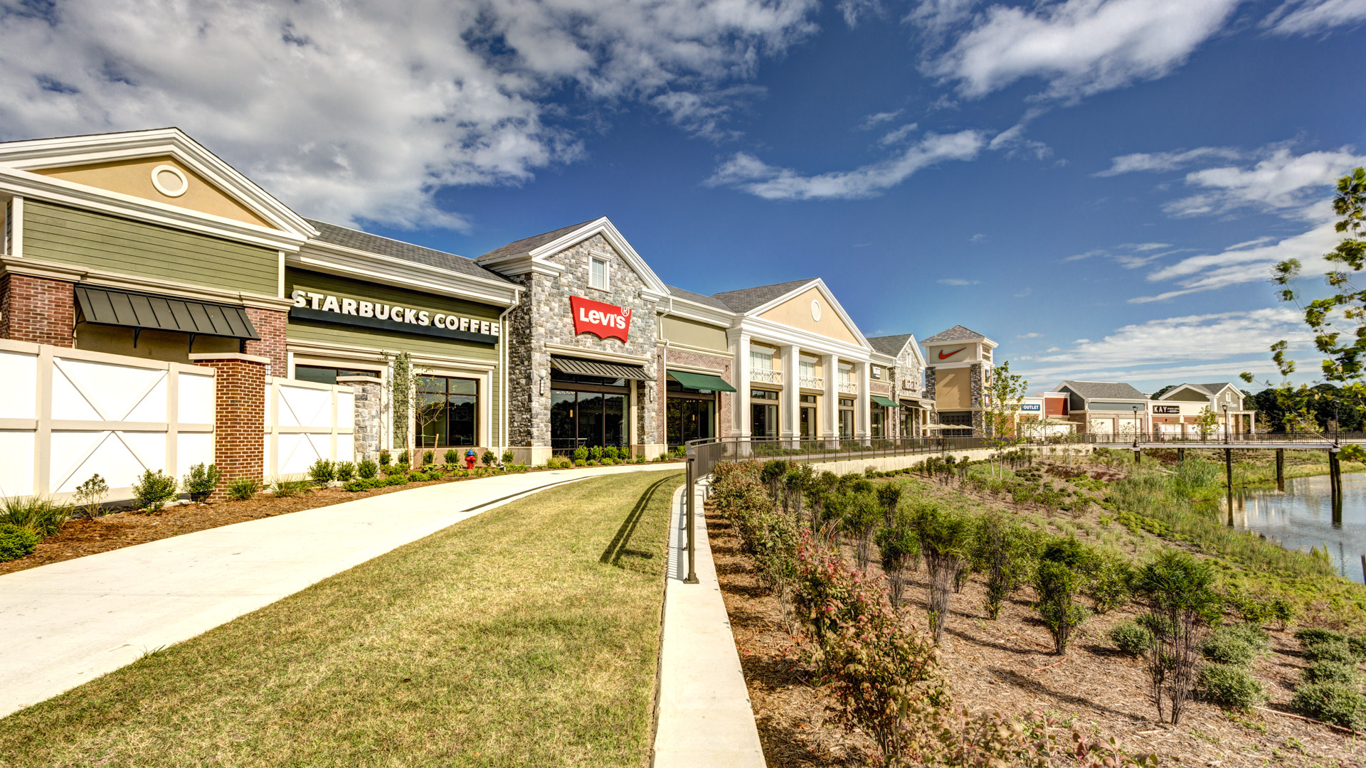 Retail Contractor For The Norfolk Premium Outlets