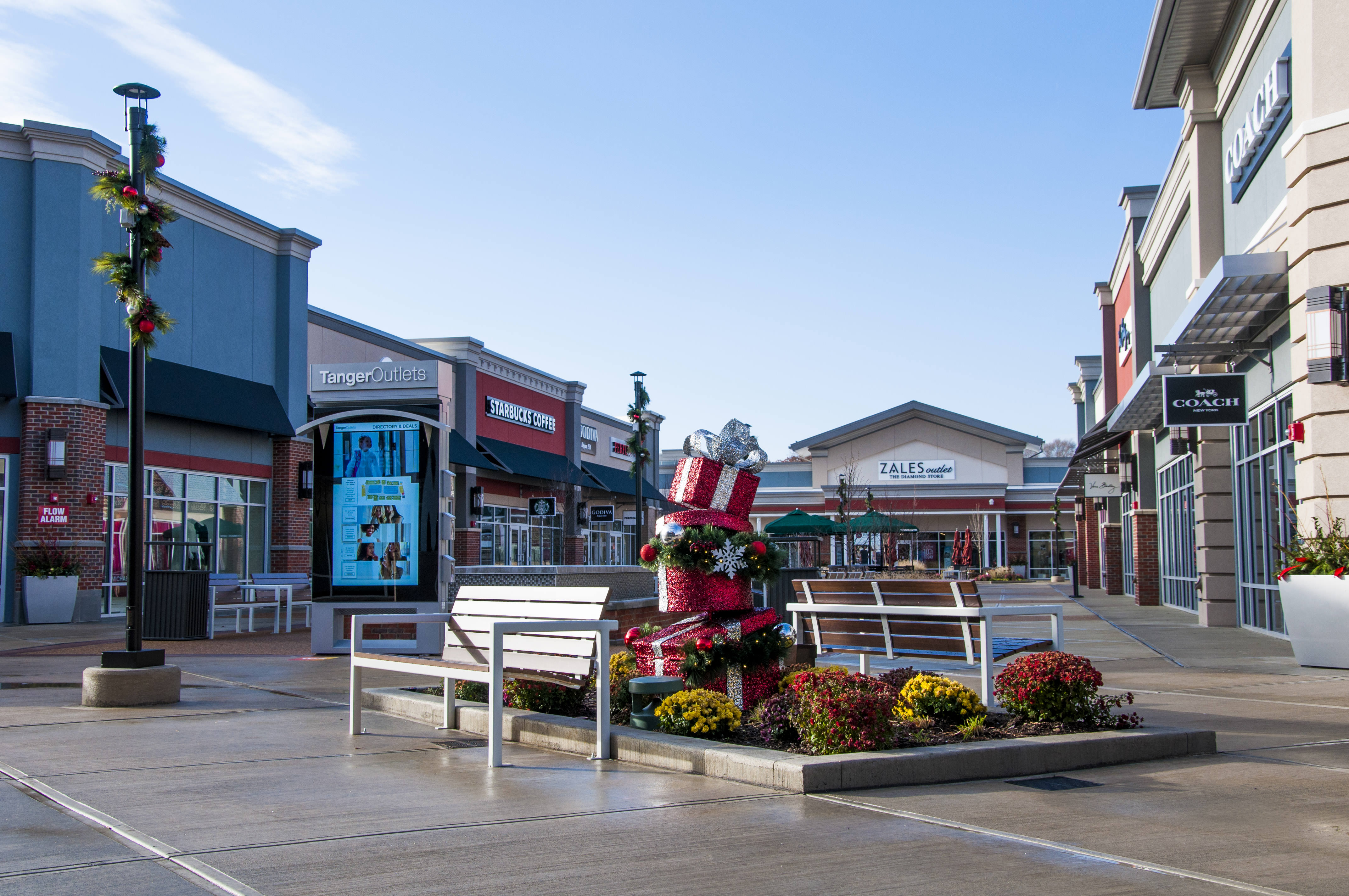 Tanger Outlets Center | Cleveland Construction